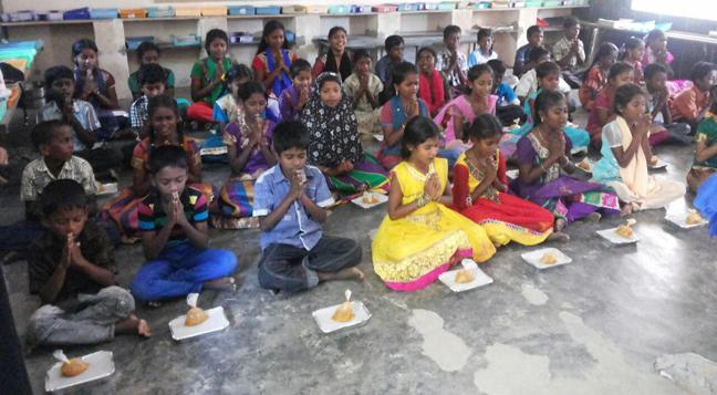 Tharani Radiates Light On Diwali